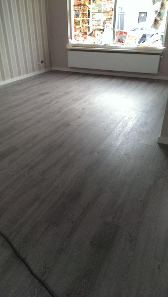 Verbouwingen op maat: PVC vloer gelegd