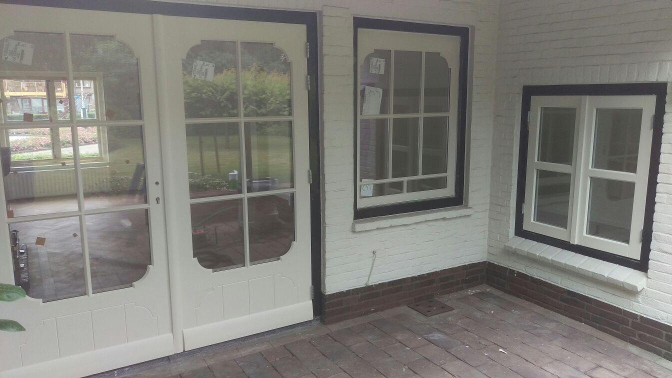 Tuindeuren + ramen jaren 30 nagemaakt en vervangen
