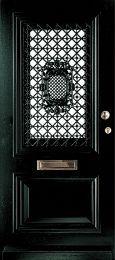Klassieke voordeur met rooster